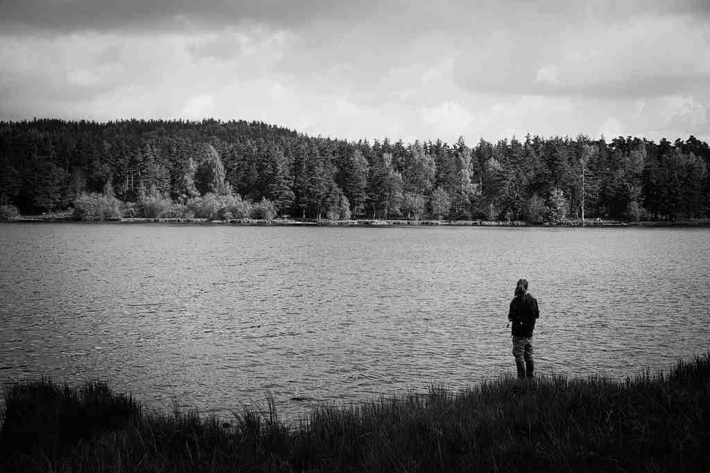 Comment lancer la pêche au moulinet?