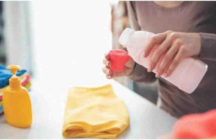 Comment enlever une tache de fruit sur un vêtement ?