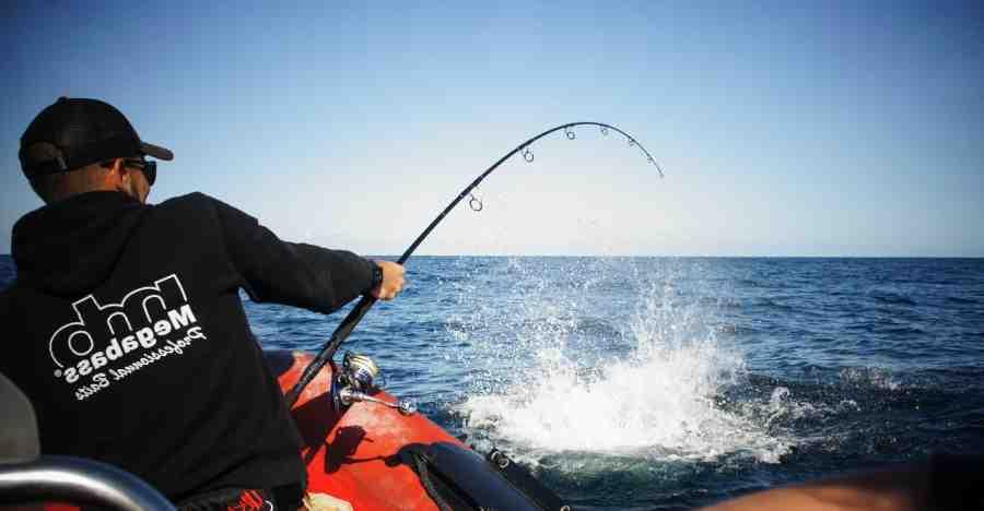 Comment lancer une canne à pêche en mer ?