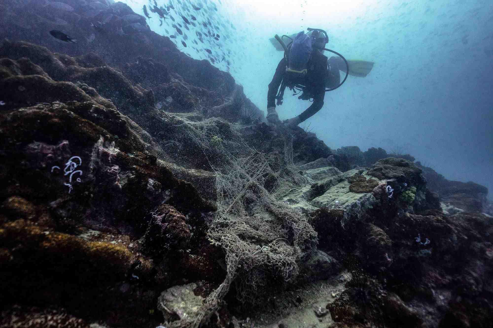 Comment monter un filet de pêche en mer ?