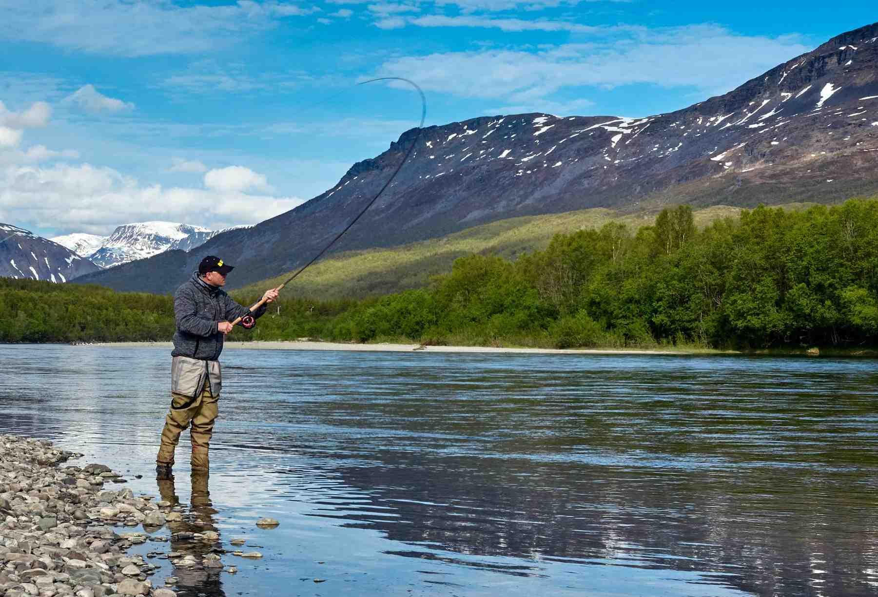 Comment monter une canne à pêche avec moulinet ?